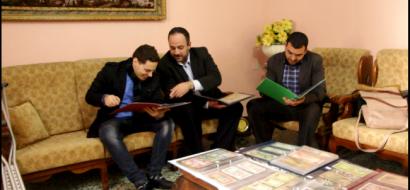 """خاص لـ""""وطن"""" بالفيديو .. عملة وتاريخ : رابطة لهواة جمع العملات في قطاع غزة"""