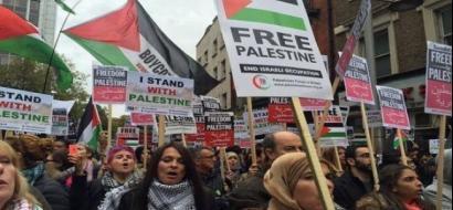 """""""الأورومتوسطي"""": لندن تنتهك حرية التعبير بحظر إعلانات ضد وعد بلفور"""