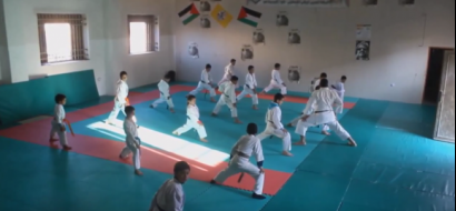 """خاص لـ""""وطن"""": بالفيديو.. بيت لحم: محسن يدرب الراغبين مجانا ليرفع مستوى رياضة الجودو"""