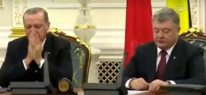 فيديو..  أردوغان يغفو خلال مؤتمر صحافي!