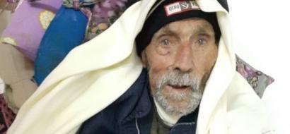 """خاص لـ""""وطن"""".. بالفيديو: أكبر معمري فلسطين.. 107 أعوام و142 حفيدا وذاكرة أقوى من الحديد"""