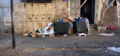 """خاص لـ""""وطن"""": بالفيديو.. النفايات تشوه المشهد الحضاري للبلدة القديمة في بيت جالا"""