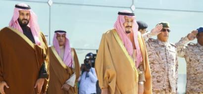 رويترز: الملك سلمان قد يتنازل عن العرش لابنه