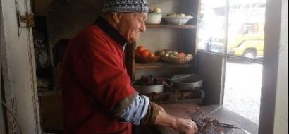 """خاص لـ""""وطن"""" بالفيديو.. """"سيخ كباب"""" من أقدم مطاعم نابلس"""