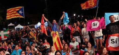 """باريس تحذر من """"تفكك خطير"""" بسبب أزمة كتالونيا"""