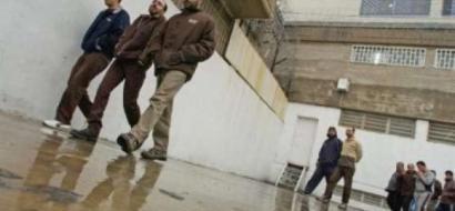 الاحتلال يحتجز أسيراً في البرد لمدة  22  ساعة