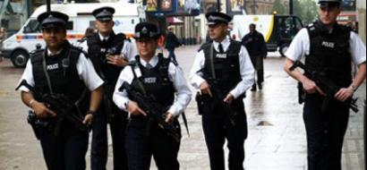 الشرطة البريطانية تطلق النار على امرأة وتعتقل 6 آخرين