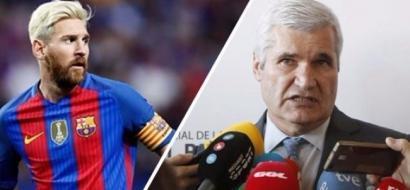 برشلونة يقيل مسؤولاً من منصبه بعد تصريحاته عن ميسي