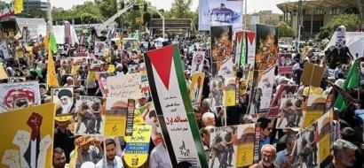 الايرانيون يخرجون في مسيرات يوم القدس العالمي في طهران