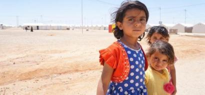 الطاقة الشمسية تنير مخيم الازرق للاجئين في الاردن..
