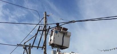 """بالفيديو .. بعد تقرير  لـ """"وطن"""" : بلدية ترقوميا تشرع بتغيير محولات الكهرباء وضبط السرقات"""