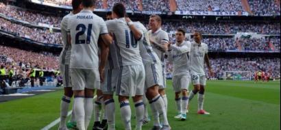 """معركة """"كسر عظم"""" بين ريال مدريد وبرشلونة لضم لاعب محترف"""
