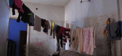 """خاص لـ""""وطن"""": بالفيديو.. غزة: ألا يكفي عائلة عليوة الفقر والمرض.. ليتهدد حياتهم بيت آيل للسقوط"""