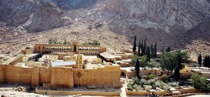"""تنظيم """"داعش"""" يتبنى المسؤلية عن هجوم سيناء"""