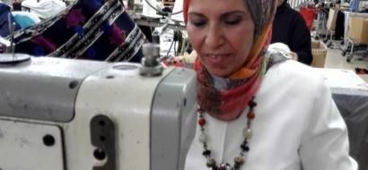 """خاص لـ""""وطن"""": بالفيديو.. قلقيلية: فاطمة الجدع من ماكينة خياطة إلى سيدة أعمال"""