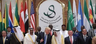 الازمة الخليجية: قطر الصغيرة تحاول التعملق مستندة لقاعدة اميركية ودعم للاخوان المسلمين