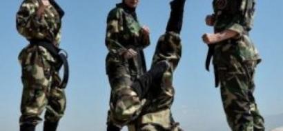 """بالصور...تعرف على جيش """"النينجا"""" المكون من فتيات إيرانيات"""