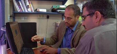 """خاص لـ""""وطن"""": بالفيديو.. الخليل : باحثان يحققان إنجازًا في أبحاث الحمى المالطية"""