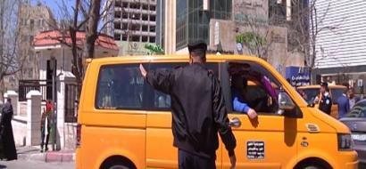 """خاص لـ""""وطن"""" بالفيديو : في الخليل .. مركبات نقل عمومية بدون بطاقات تعريف"""