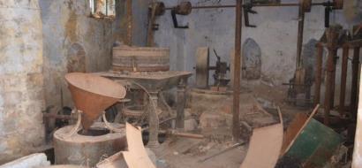 """خاص لـ""""وطن"""": بالفيديو.. طولكرم: معصرة زيتون عثمانية مهملة منذ 30 عاماً"""