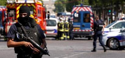 الداخلية الفرنسية: حادث الشانزليزيه قد يكون عملا متعمدا