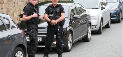 رجل يقتل سيدتين طعنا  في وسط بريطانيا