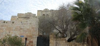 """خاص لـ""""وطن"""": بالفيديو.. سلفيت: البلدة القديمة في دير استيا.. مبان أثرية مأهولة"""