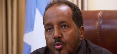 البرلمان الصومالي يلتئم في المطار ويتخب الرئيس