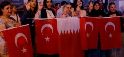 تركيا ترسل أول سفينة مساعدات غذائية إلى قطر