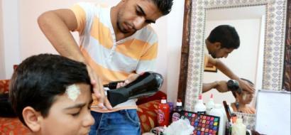 """خاص لـ """"وطن"""": بالفيديو.. اللولو.. """"ماكيير"""" غزة للأعمال الدرامية"""