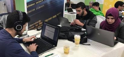 """خاص لـ""""وطن"""" بالفيديو.. الخليل : """"بوليتكنك فلسطين"""" تفوز بمسابقة """"غوغل"""" للبرمجة """"Hash Code"""""""
