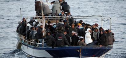 اهوال البحر افضل من البطالة ..شباب تونسيون يركبون الاهوال نحو ايطاليا