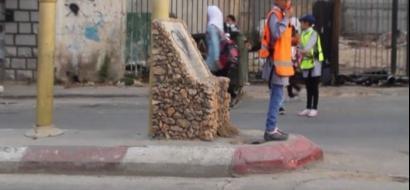 """خاص لـ """"وطن"""": بالفيديو.. قلقيلية: """"الشرطي الصغير"""" لتنظيم الحركة أمام المدارس"""