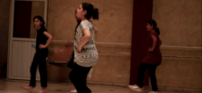 """خاص لـ""""وطن"""" بالفيديو .. أطفال يغازلون التراث باحتراف الدبكة في غزة"""