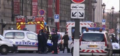 هجوم عند متحف اللوفر في باريس