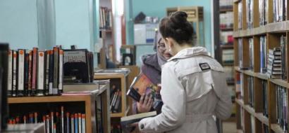 """خاص لـ""""وطن"""": بالفيديو.. مكتبة نابلس.. من مبنى عثماني إلى معلم ثقافي منذ 47 عامًا"""