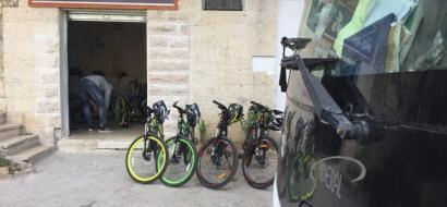 """خاص لـ""""وطن"""" بالفيديو .. بيت لحم: تجول في بتير على دراجة هوائية..  متعة السياحة"""