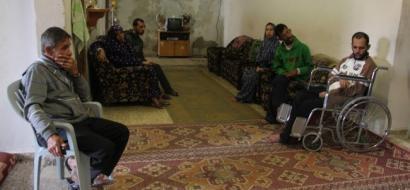 """خاص لـ""""وطن"""": بالفيديو.. غزة: خمسة من عائلة واحدة مصابين بالشلل الدماغي"""
