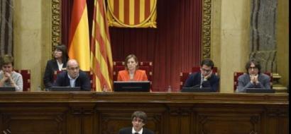 بالفيديو...رئيس كتالونيا يقترح تعليق إعلان الاستقلال عن إسبانيا