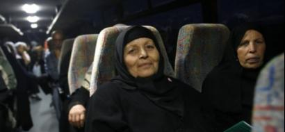 """دفعة من أهالي أسرى غزة يزورون أبناءهم في """"نفحة"""""""