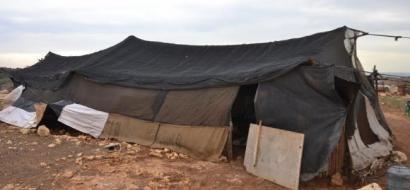 """خاص لـ""""وطن"""": بالفيديو.. 25 مواطناً يسكنون الخيام في خربة شمال طولكرم"""