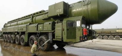 """كوريا الشمالية تبدأ العام بـ""""صاروخ عابر للقارات"""""""