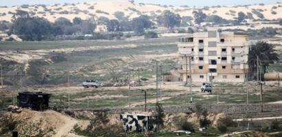 الجيش المصري يدمر نفقا على حدود غزة