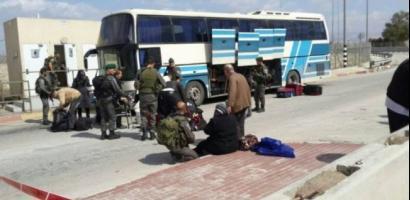 جنين: الاحتلال يعتقل شابا على معبر الكرامة