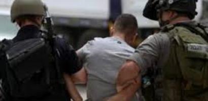 القدس: الاحتلال يستدعي قاصرا للتحقيق ويمدد اعتقال آخريْن