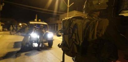 حملة اعتقالات واسعة في الضفة تطال 25 مواطناً بينهم 16 مقدسياً