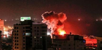 محدث| 3 شهداء واصابات بقصف مكثف للاحتلال على غزة