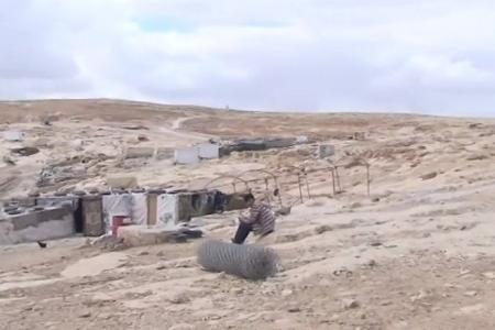 """خاص لـ """"وطن"""": بالفيديو... """"المفقرة"""": رموز محفورة خلف مقبرة.. بفعل سياسة التهويد"""