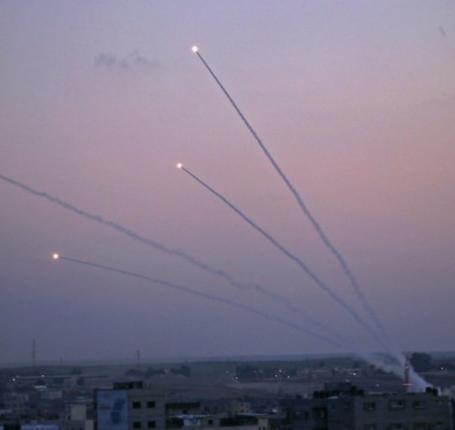 المقاومة تقصف مستوطنات غلاف غزة برشقة من الصواريخ