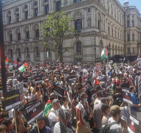 صور |  مظاهرة مؤيدة لفلسطين في لندن بالتزامن مع قمة السبع